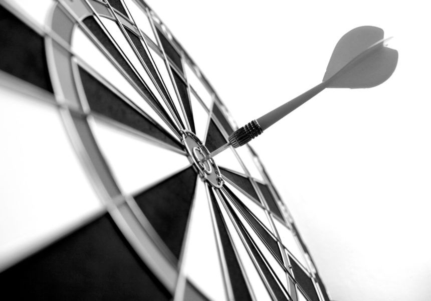 darts-bullseye-target-practice-target-marketing-business-concepts_t20_NxL0y7